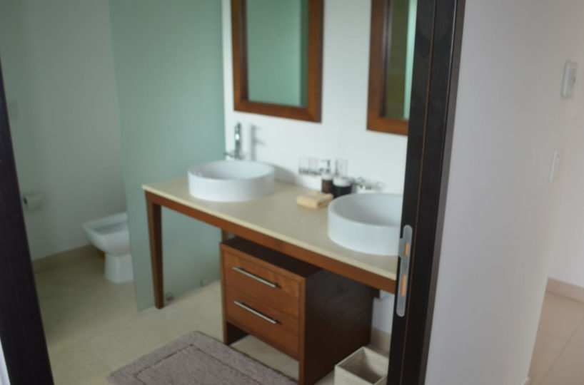 Bathroom master room Penthouse Icon Vallarta For Rent