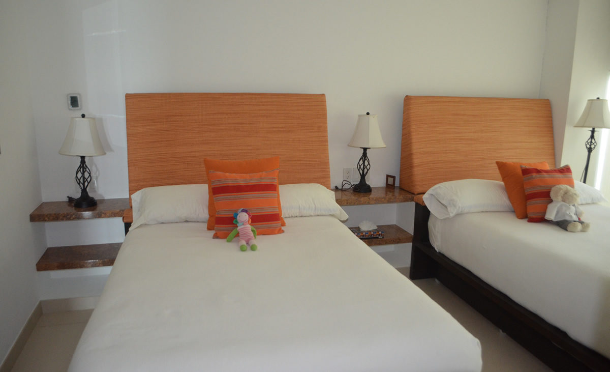Bedroom with two beds Penthouse Icon Vallarta For Rent