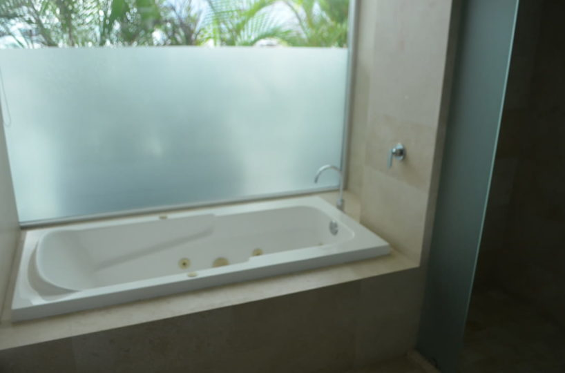 Jacuzzi Marter room Penthouse Icon Vallarta For Rent