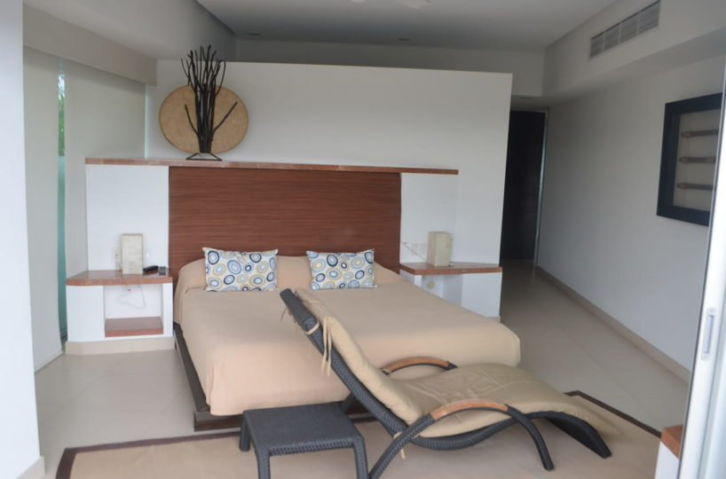 Master room Penthouse Icon Vallarta For Rent