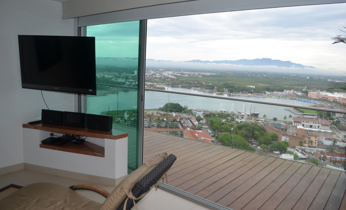 TV Master room Penthouse Icon Vallarta For Rent