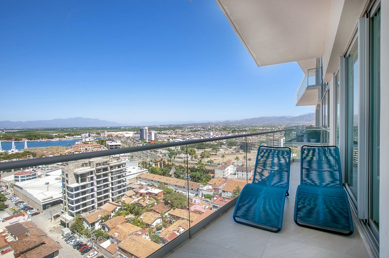back-terrace-amazing-beach-front-condo-for-rent-icon-vallarta-view-1-1802