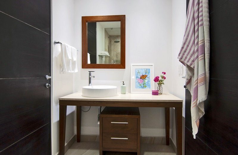bathroom4-amazing-beach-front-condo-for-rent-icon-vallarta-view-1-1802
