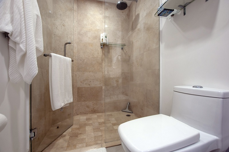 bathroom5-amazing-beach-front-condo-for-rent-icon-vallarta-view-1-1802