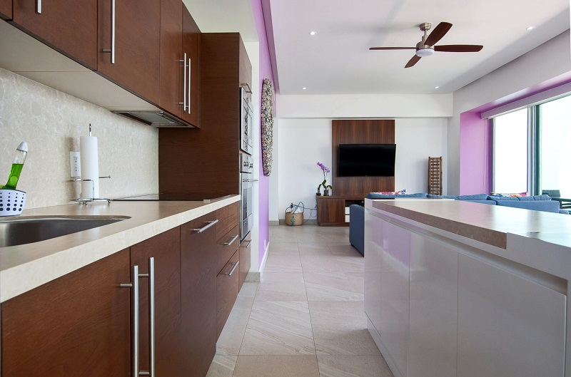 kitchen1-amazing-beach-front-condo-for-rent-icon-vallarta-view-1-1802